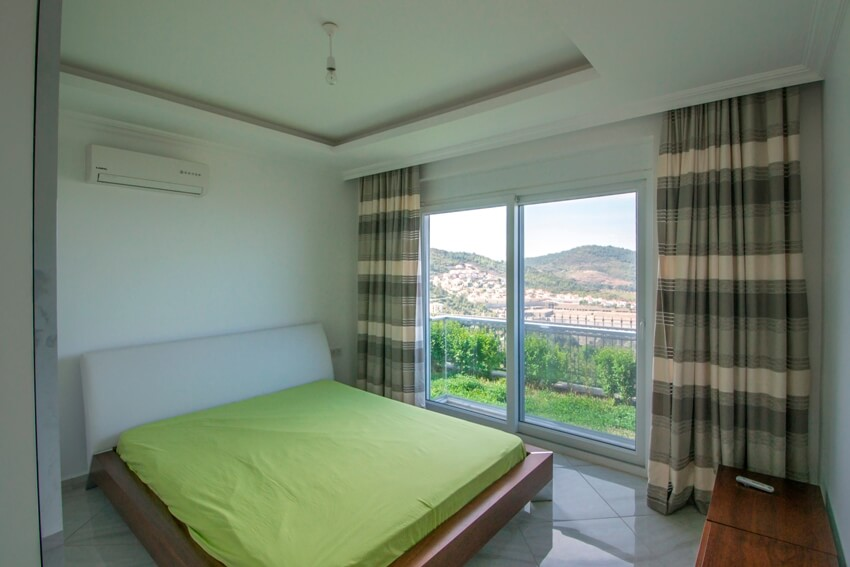 Luxury Villa In Alanya Surrounded With Green And Blue