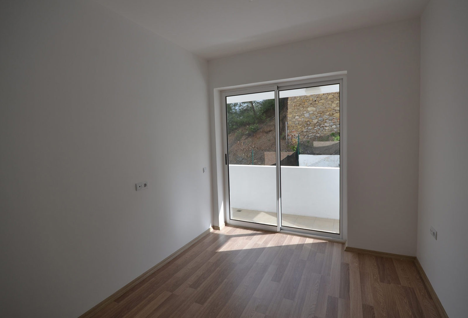 Well Designed Apartment With Private Garden