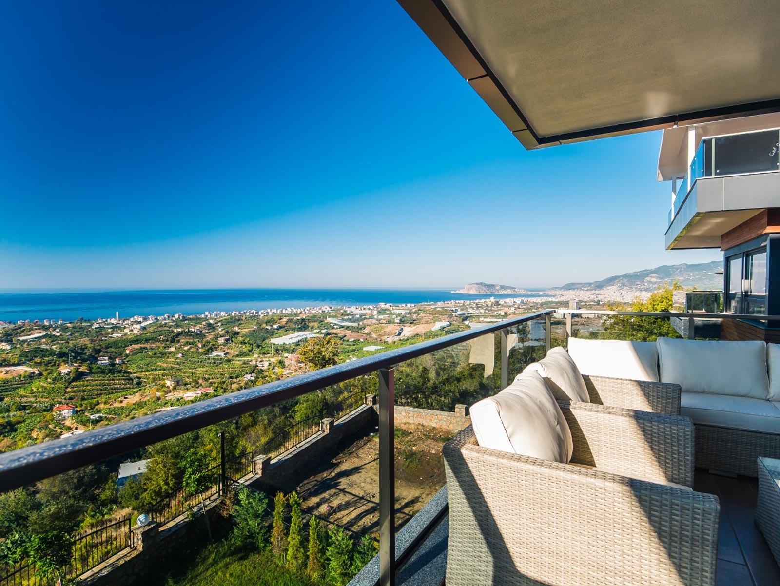 Luxury Villa With Breathtaking Sea, Mountains And Alanya Castle View